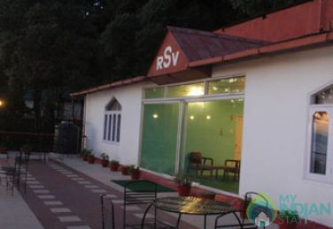 Luxurious Stay In Beautiful GuestHouse,Himachal Pradesh