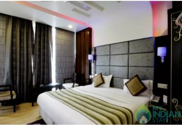 Super Deluxe AC Rooms in a Guest House in Delhi
