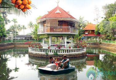 Honeymoon AC Cottages In Kerala
