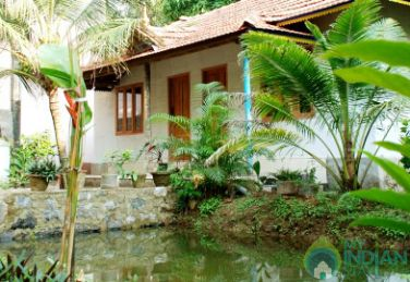 AC Single Room in a Homestay in Kunarakom
