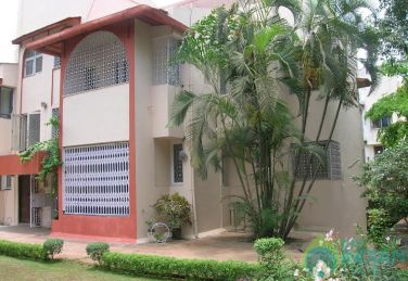 Furnished Double bedded Room in a homestay in Mumbai