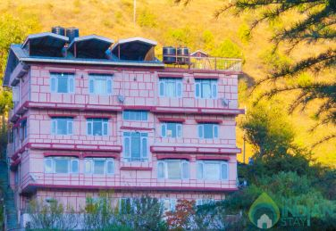Luxury Valley View Room in Shimla