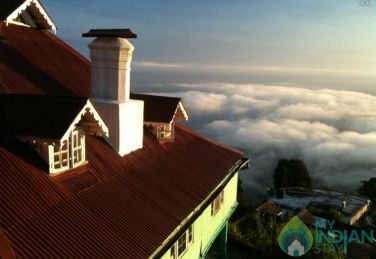 Mountain View From Heritage Bungalow In Darjeeling