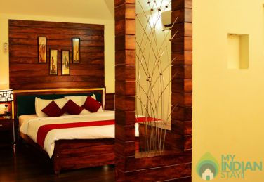 Luxury Suite with Breakfast In HomeStay-Kerala
