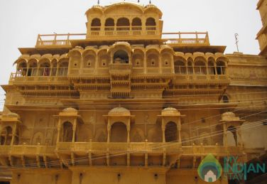 AC Double Rooms In Heritage Haveli With Golden Sand Stone In Jaisalmer