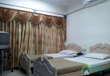 Standard Double A/C Stay In Mumbai, MH
