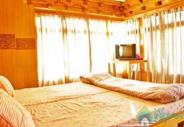 Bright Cozy Rooms In Leh