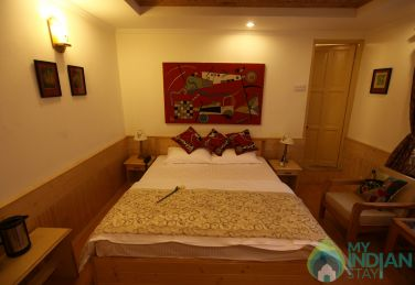 Excellent Place To Stay In Srinagar, Kashmir