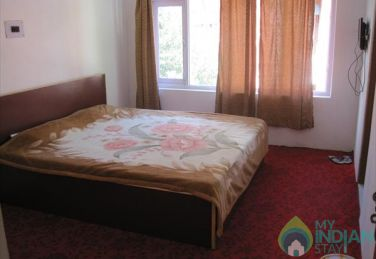 Modern Stylish Stay In Srinagar, J&K