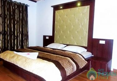 Elegant And Comfort Place To Stay In Srinagar, J&K