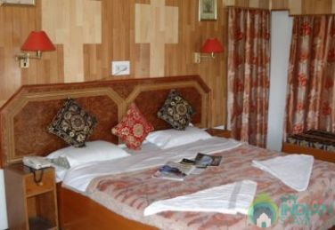 A Delightful Stay In An Elegant Atmosphere, J&K