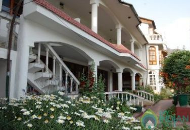 Comfortable And Convenient Stay In Srinagar