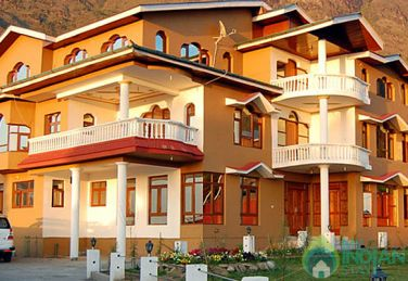 An Elegant Place To Stay In Srinagar, J&K