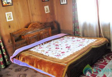 Relaxing Stay In Srinagar, J&K