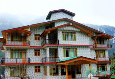 Beautiful And Scenic  Stay In Manali , HP