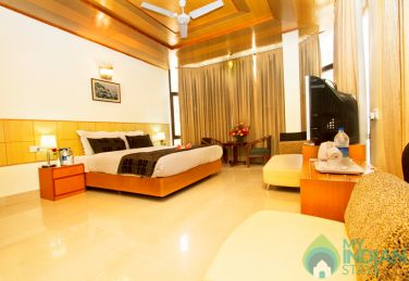 Spacious Stay In Manali, HP