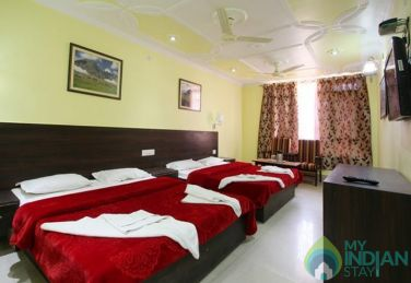 Elegantly Decorated Stay, Srinagar Jammu & Kashmir