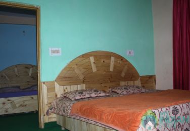 6 Bedded Family Room Stay in Kasol HP