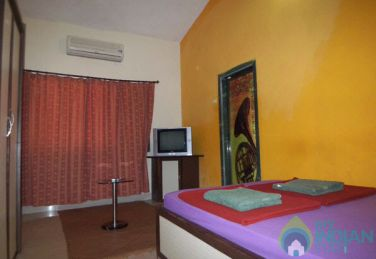 Charming Deluxe AC Rooms Near Anjuna Beach, Goa