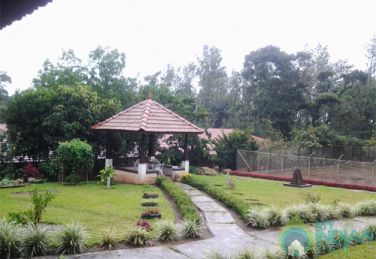 Spacious and Elegant Stay In Madikeri, Karnataka