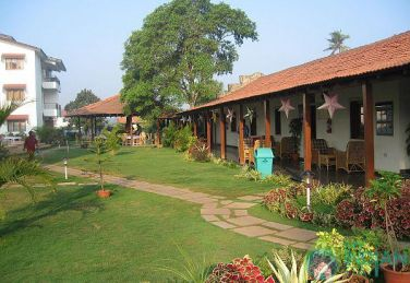 Luxurious And Spacious Executive Suites With Pool In Calangute
