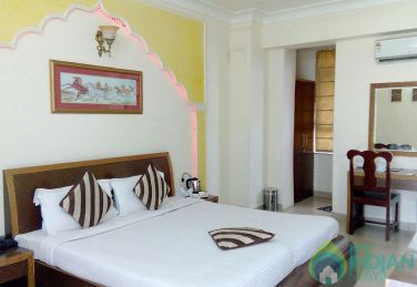 Luxurious Super Deluxe Room In Jaipur, Rajasthan