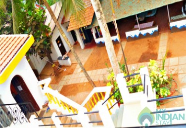 Comfortable Dormitory In Candolim, Goa