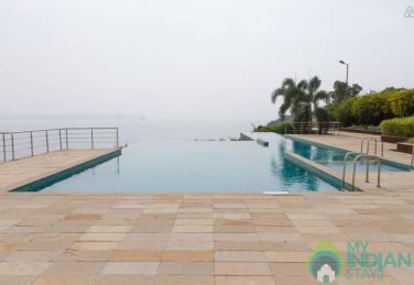 Appt with Infinity pool close to Panjim: CM054