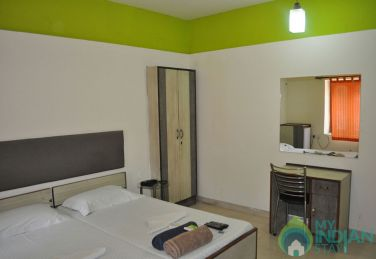 Spacious Deluxe Stay In Jangpura, New Delhi