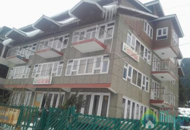 Comfortable Standard AC Rooms With Balcony Pahalgam