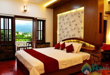 Honeymoon 3N/4D Package Stay In Kalpetta, Kerala