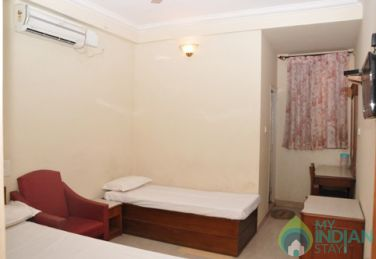 AC Deluxe 3 Bed Stay In Mysore, Karnataka