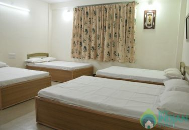 Non AC Executive 9 Bed Stay In Mysore, Karnataka