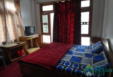 Deluxe room stay in Main Kasol